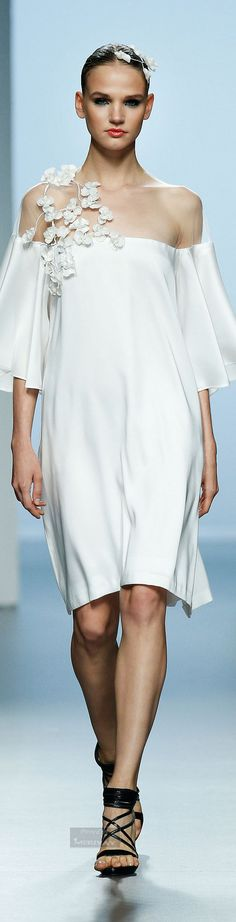 Juana Martin Spring-summer 2015 - Ready-to-Wear Runway Fashion, Couture Fashion, Womens Fashion, Net Fashion, Fashion Details, Fashion Design, Summer 2015, Spring Summer, Spring 2015