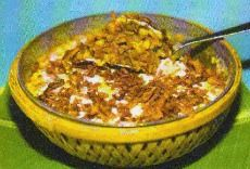 Swati Snacks owner Asha Mehta shares a baked masala khichdi recipe. Masala Khichdi, Indian Dessert Recipes, Restaurant Recipes, Starters, Baking Recipes, Food And Drink, Lunch, Snacks, Meals