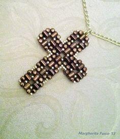 8 Awesome Beaded Cross Pendants Tutorials - The Beading Gem's Journal Cross Jewelry, Beaded Jewelry, Diy Glitter Earrings, Diy Crafts Jewelry, Jewelry Ideas, Beaded Cross, Beaded Animals, Cross Designs, Jewelry Making Tutorials
