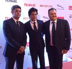 Bollywood celebs galore: Film fare Style awards SRK Deepak Padukone The 2015 Filmfare fashion Awards was a grand event which befell at Taj Land's result in