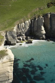 New Zealand Tunnel Beach