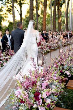 Decoração cerimônia rosa - casamento na Fazenda Vila Rica ( Decoração: Fabio Borgatto e Talma Hayashi   Foto: Rejane Wolff )
