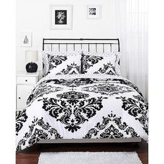 Classic Noir Reversible Bedding Comforter Set. I have been looking for this set!!! My room! (Size, Queen)