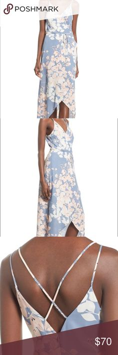 Astr Floral High Low Dress This beautiful dress is in perfect condition! Astr Dresses