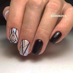 Линии, которые завораживают☺ nailsoftheday.com #маникюрдня #ногти #гельлак #дизайнногтей #идеидляманикюра #мастерманикюра #nailмастер #gelpolish #nails #маникюр #геометрия #пигменты #линии #черные