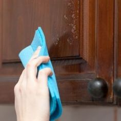 The Easy Way to Clean Grease From Kitchen Cabinet Doors