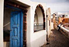 street maze - Santorini, Greece