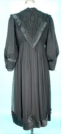 Antique Dress - c. 1910-1912 Edwarian PERDOUX Bourdereau Veron & Cie, Place de la Bourse, 132 rue Reaumur, Paris Black Silk Chiffon and Satin Evening Coat