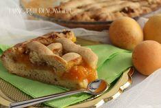 La crostata morbida di albicocche e noci ( senza burro) più leggera, fragrante e dal gusto delicato con tanta frutta fresca.