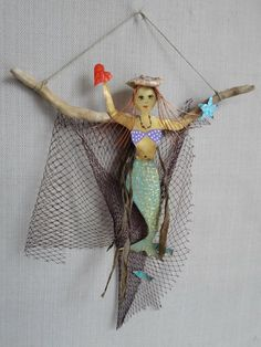 Mermaid on sea wood / Cloth net / Brass mermaid