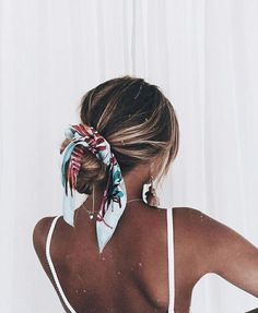 Pin By Eden Graves On Hair Hair Styles Scarf Hairstyles Long - messy hairstyles with bandana messy hairstyles men Easy Hairstyles For Medium Hair, Scarf Hairstyles, Pretty Hairstyles, Medium Hair Styles, Curly Hair Styles, Girl Hairstyles, Hairstyles For Beach, Easy Summer Hairstyles, Winter Hairstyles