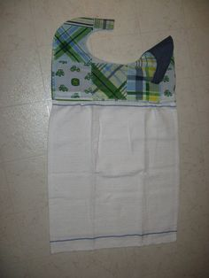 this bib apron made from fabric and a hand towel adult bib pattern Bib Pattern, Free Pattern, Bib Apron, Aprons, Sensory Blanket, Adult Bibs, Creative Outlet, Baby Blanket Crochet, Baby Quilts