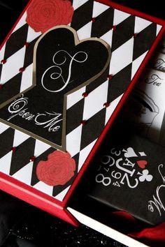 Luxurious Wedding Invitation Style: Alice In Wonderland Wedding Favor