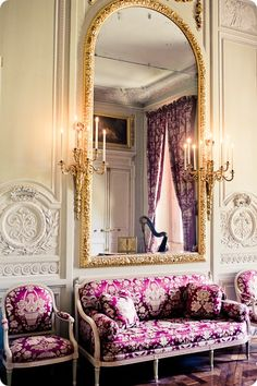 Interior of Marie Antoinette's Petit Trianon, Versailles. Been there, done that, but I would love to see Versailles again! Classic Interior, French Interior, French Decor, Interior Architecture, Interior And Exterior, Interior Design, Color Interior, Marie Antoinette, Dressing Design