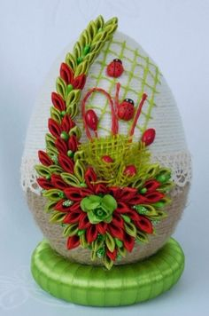 Easter Projects, Easter Crafts, Quilling, Easter Eggs, Snow Globes, Pretty, Flowers, Heart, Tela