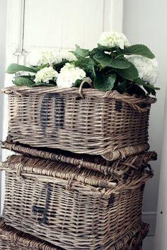 Baskets  ♥✫✫❤️ *•. ❁.•*❥●♆● ❁ ڿڰۣ❁ La-la-la Bonne vie ♡❃∘✤ ॐ♥⭐▾๑ ♡༺✿ ♡·✳︎·❀‿ ❀♥❃ ~*~ WED May 25, 2016 ✨вℓυє мσση ✤ॐ ✧⚜✧ ❦♥⭐♢∘❃♦♡❊ ~*~ Have a Nice Day ❊ღ༺ ✿♡♥♫~*~ ♪ ♥❁●♆●✫✫ ஜℓvஜ