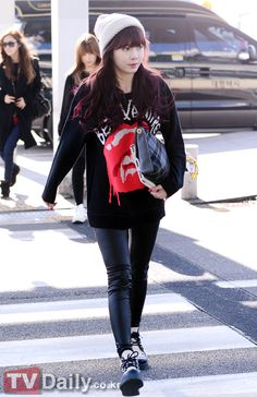 Hyuna (singer) from 4MINUTE i love her style *-*   Come visit kpopcity.net for the largest discount fashion store in the world!!
