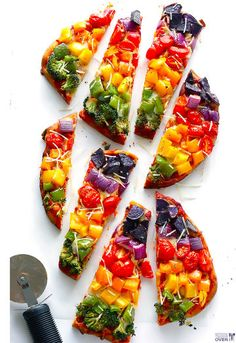 Taste the rainbow with this delicious veggie pizza recipe! All you is 10 minutes of prep time for this delicious Rainbow Veggie Pizza. Flatbread Pizza, Flatbread Recipes, Think Food, I Love Food, Vegetarian Recipes, Cooking Recipes, Healthy Recipes, Pizza Recipes, Shrimp Recipes