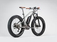 有名デザイナー、フィリップ・スタルクが、電動アシストタイプのマウンテン・バイクをデザインした。「マッド」「アスファルト」「サンド」「スノー」の4タイプだ。