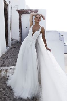 Stylish Julie Vino wedding dresses