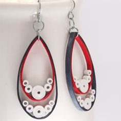 Paper Quilled Earrings  http://honeysquilling.wordpress.com/2011/05/17/happy-fourth-of-july/