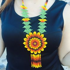 Preciosa flor de GIRASOL con cuentas collar artesanal whit