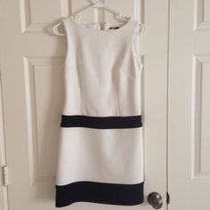 Laundry by shelli segal dress Elegant whit and black dress Laundry by Shelli Segal Dresses Midi