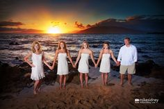 Maui sunsets and family portraits! A lovely combination by Mike Sidney Photography / www.mikesidney.com