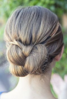 Close up of a quick braid bun with a simple head band. Inspired by L'Oreal Advanced Hairstyles
