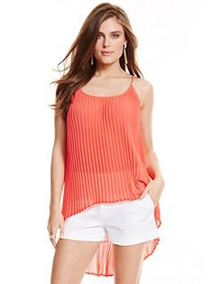 Marciano Women's Sharon Pleated Top GUESS by Marciano http://www.amazon.com/dp/B00WKX4G00/ref=cm_sw_r_pi_dp_kBEOvb1C3XN4C