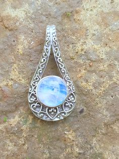 Moonstone Pendant, Round Stone Pendant, 925 Silver Pendant, Gothic Pendant, Gift For Her, blue flashy stone Pendant, Healing Crystal pendant Moonstone Pendant, Moonstone Jewelry, Crystal Pendant, Silver Jewelry, Gemstone Rings, Sterling Silver Pendants, 925 Silver, Precious Metal Clay, Boho Rings