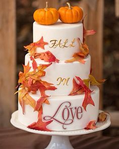 Autumn Wedding Cakes, Fruit Wedding Cake, Wedding Cake Fresh Flowers, Wedding Cake Rustic, Fall Wedding Colors, Beautiful Wedding Cakes, Wedding Cupcakes, Pumpkin Wedding Cakes, Wedding Pumpkins