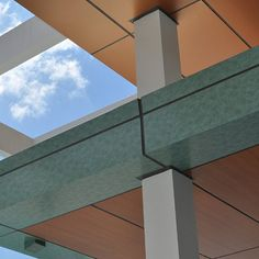 Materiales Compuestos de Aluminio – Serie Acabados Madera http://www.plataformaarquitectura.cl/catalog/cl/search/category/terminaciones-revestimientos-metalicos?ad_name=flyout&ad_medium=categories