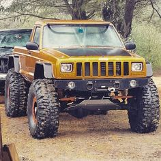 We love seeing the old Jeep Comanche pickups and this one has been really worked over! www.zimmermotors.com