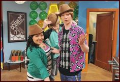 Hats, hats everywhere :D With Raini Rodriguez and Ross Lynch.