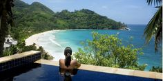 Banyan Tree Seychelles * * * * * , Seychelles Sur l'une des plus belles plages du monde, le Banyan Tree vous accueille au cœur d'une végétation abondante. Fidèle à la réputation de la chaîne hôtelière, au Banyan Tree rien n'est laissé au hasard : cadre exceptionnel, service haut de gamme, produits Banyan Tree dans les chambres…