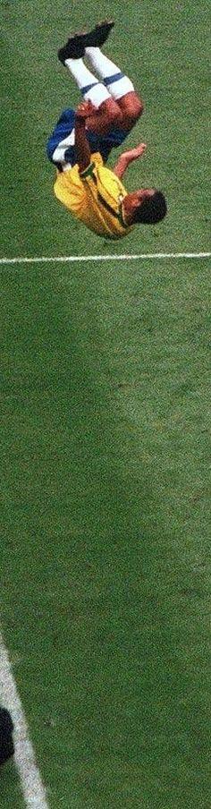 1998 FIFA World Cup - Cafu flip Football Icon, World Football, Football Soccer, Most Popular Sports, International Football, National Football Teams, World Of Sports, Best Player, Fifa World Cup