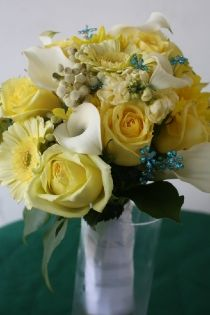 Bouquet: I marked this one for the grip - I'd like an easy-to-hold white ribbon wrapped grip. (I'm not a big fan of the non-roses in this bouquet, or the little blue flowers)