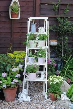 DIY: Ladder Planter - DIY Ladder Decorations
