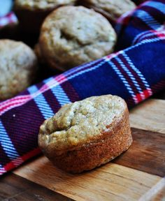 Banana Muffins - super easy recipe and quick for out the door breakfast