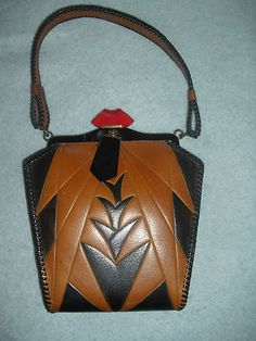 1920s VINTAGE ARTS AND CRAFTS, ART DECO LEATHER PURSE - MEEKER MADE    I say, love at 1st sight!