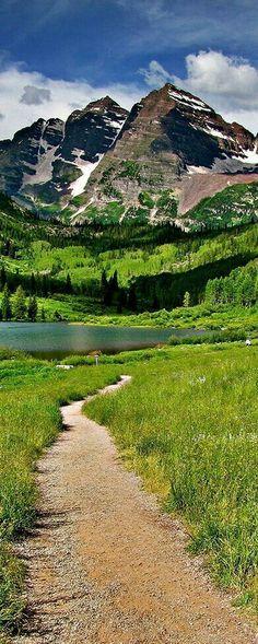 Maroon Lake, Colorado Me espera un lindo dia de picnic.