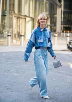 Fashion tendance denim ce sont les plus belles tendances de jeans en hiver 2019 Black Leather Jeans, Black Ripped Jeans, Sexy Jeans, Skinny Jeans, Denim Fashion, Look Fashion, Fashion Outfits, Fashion Design, Fashion Trends