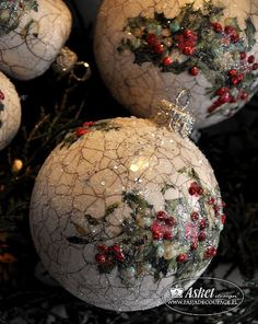 Christmas Ice balls |decoupaged and paint crackle |  pictures and paper source for decoupage paper  *