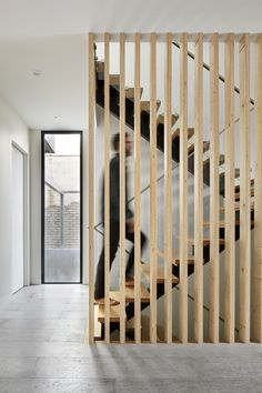Interior staircase design in main hall for duplex house staircase accentuates the simple interior design gallery House Staircase, Interior Staircase, Stairs Architecture, Staircase Design, Interior Architecture, Architecture Courtyard, Malvern House, Timber Screens, Casa Patio