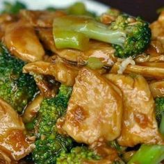 Chicken and Broccoli Stir-Fry. Delicious main dishes for dinner. You can make this Chicken and Broccoli Stir Fry in almost the same amount of time that it takes to get takeout. You can also sub/add other veggies such as onion, mushroom and zucchini. Stir Fry Recipes, Low Carb Recipes, New Recipes, Dinner Recipes, Cooking Recipes, Favorite Recipes, Healthy Recipes, Easy Recipes, Dinner Ideas