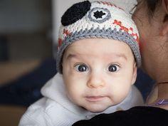 DIY tutorial: Crochet a Star Wars BB8 Baby Hat  via DaWanda.com