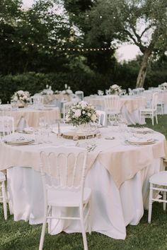 Foglie d ulivo per un matrimonio organico. Giorno Delle NozzeAbiti Da SposaLocation  Per MatrimoniComposizioni FlorealiDecorazioni ... eab275771877