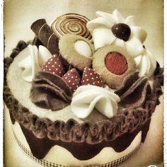Felt Crafts, Diy Crafts, Felt Cake, Food Stands, Soda Bottles, Felt Food, Food N, 60th Birthday, Stuffed Toys Patterns