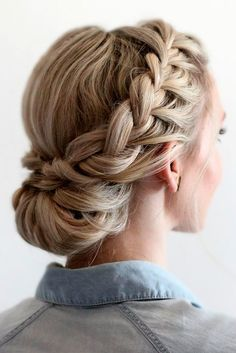Braids Up Dos Idea 42 braided prom hair updos to finish your fab look braided Braids Up Dos. Here is Braids Up Dos Idea for you. Braids Up Dos 42 braided prom hair updos to finish your fab look braided. Braids Up Dos 41 beautifu. Braided Prom Hair, Braided Updo, Hairstyle Braid, Bridesmaid Hair Updo Braid, French Braid Updo, Prom Updo, Low Chignon, Wedding Updo With Braid, Makeup Hairstyle
